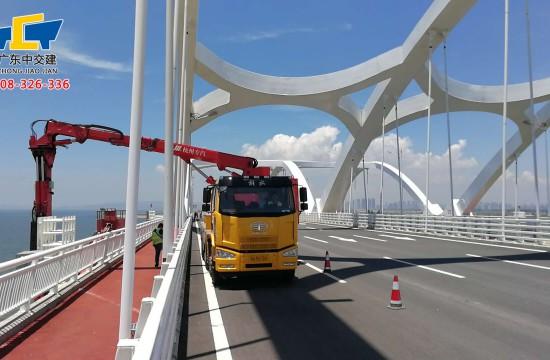 桥梁检测车如何开展日常维护工作?
